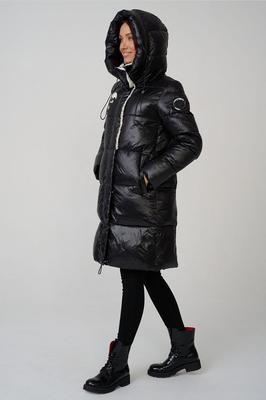 Красный пуховик женский с меховым капюшоном