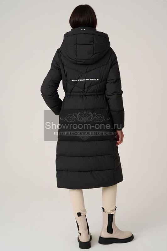 Короткий пуховик женский зимний с капюшоном