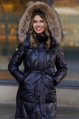 Женское пальто с песцом серое