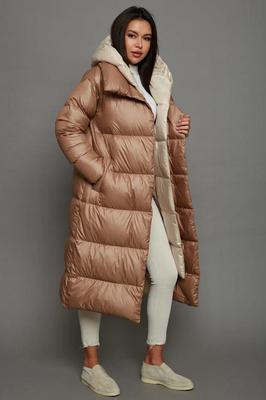 Укороченное пальто с черным песцом бордовое